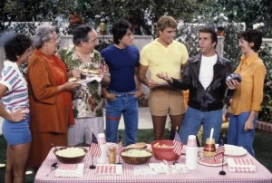 (From left to right) Erin Moran, an extra, Al Molinaro, Scott Baio, Ted McGinley, Henry Winkler and Linda Goodfriend act in a 1981 episode of the show set in 1950s Milwaukee.
