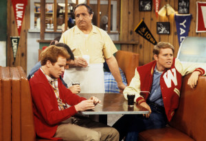 """Al Molinaro, center, played Al Delvecchio on the TV show """"Happy Days,"""" alongside Ron Howard, right, and Donny Most. Credit ABC Photo Archives, via Getty Images"""