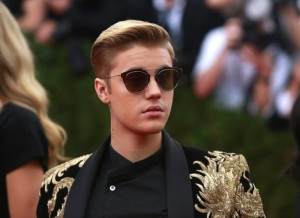 Justin Bieber's apology tour has hit a few bumps in the road.