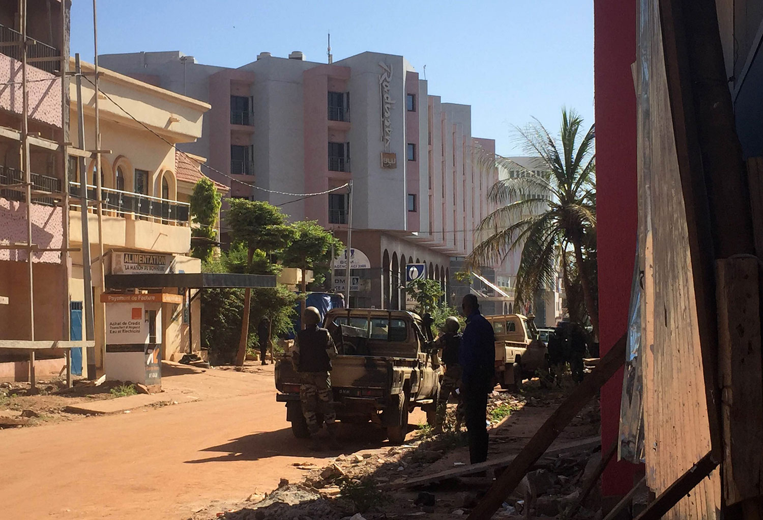 Nine dead as jihadi gunmen storm Mali hotel 'where Air France crew stay'