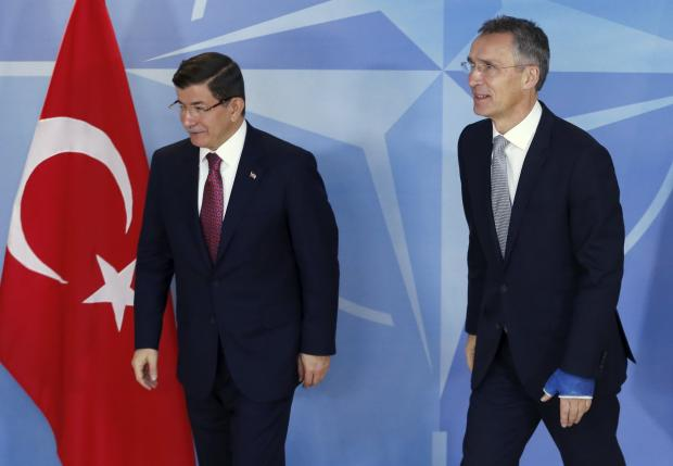 Stoltenberg welcomes Davutoglu in Brussels