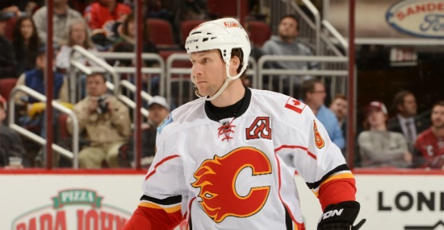 Dennis-Wideman-Calgary-Flames