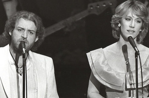 oe Cocker and Jennifer Warnes perform at the Academy Awards in 1983. COURTESY OF JENNIFER WARNES
