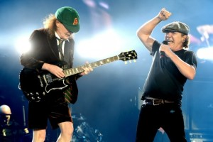 Has Brian Johnson Been 'Kicked to the Curb' by AC/DC?  Read More: Has Brian Johnson Been 'Kicked to the Curb' by AC/DC? | http://ultimateclassicrock.com/brian-johnson-acdc-kicked-to-curb/?trackback=tsmclip