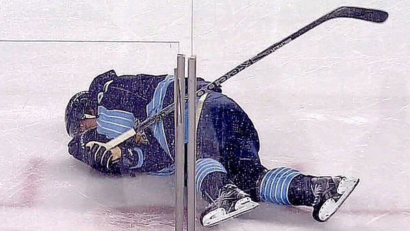 """In total, 434 NHL players filed and received a workers compensation payout. Out of those, 377 players -- or 87 per cent -- received money for claims that included head injuries. Among them is former Toronto Maple Leafs captain Rick Vaive, who was initially part of the lawsuit, but has since removed his name. Vaive submitted a California workers comp claim in 2013, though he said it wasn't concussion-related. """"Not for a head injury, no,"""" Vaive said when asked about the claim. """"Just like everybody else, just for various injuries."""" His claim, though, says he suffered injuries from May of 1978 to May of 1992. The list of body parts on the form includes the head, the neck and upper extremities. Vaive is among the hundreds who were paid for injuries that included head trauma. Other big names like Paul Kariya, Alex Mogilny and Rob Niedermayer also received payouts. Lawyer Modesto Diaz filed claims for several former NHLers. """"One of the things I tell a potential client is the most important thing I can do is try to get them an award for future medical care. The cash payouts are not that large,"""" he said. The trend, however, came to an end two years ago when the state changed its laws. """"We found that there were a billion dollars in claims that were being filled out by out-of-state workers against out-of-state employers and they all turned out to be professional athletes,"""" said Henry Perea, former California State Assemblyman. The majority of claims were made by former football and baseball players. Lobbying by the National Football League eventually led to the California law to be changed. From a report by TSN Senior Correspondent Rick Westhead"""