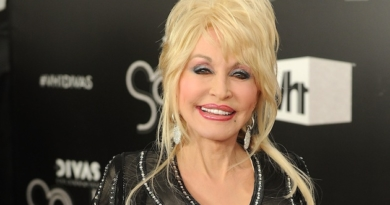 After years of cancer rumors, Dolly Parton posts sad news