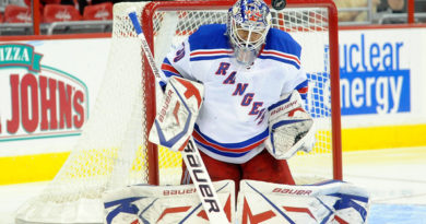 Lundqvist returns with gutty win for Rangers