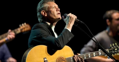 Randy Travis most recent update has the country praying, this is so sad