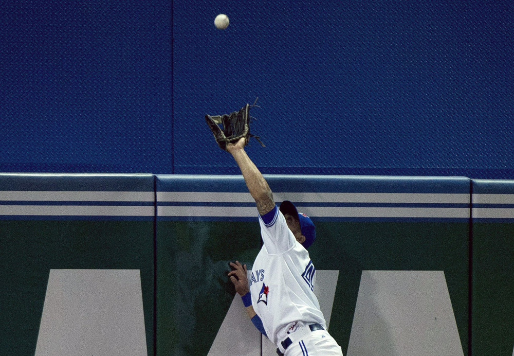 Kevin Pillar makes Superman catch vs Tampa Rays