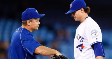 Jays' bullpen struggles in loss to White Sox