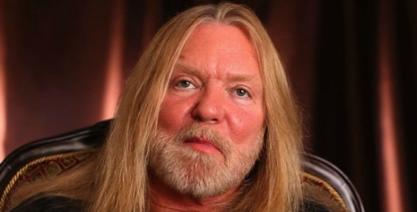 Gregg Allman's tour bus crashes in West Virginia