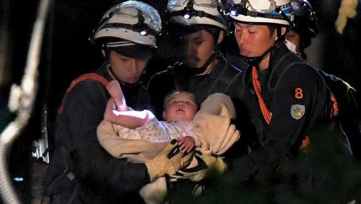 Baby pulled from Japan quake wreckage