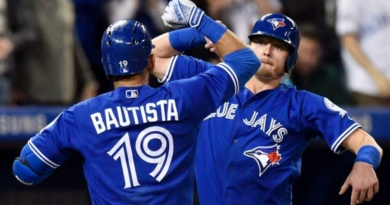Blue Jays stay hot in win over Athletics