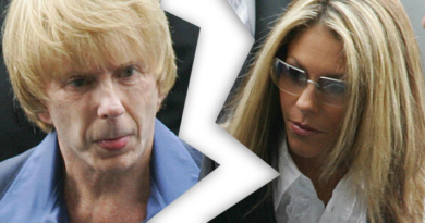 Phil Spector furious with wife and filing for divorce