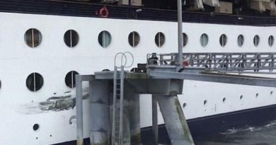 Cruise ship crashes into Ketchikan dock