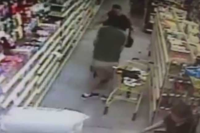Mother fights off man trying to abduct daughter inside Florida store