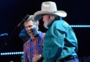 Charlie Daniels surprises 2016 CMA Music Festival crowd with Randy Travis