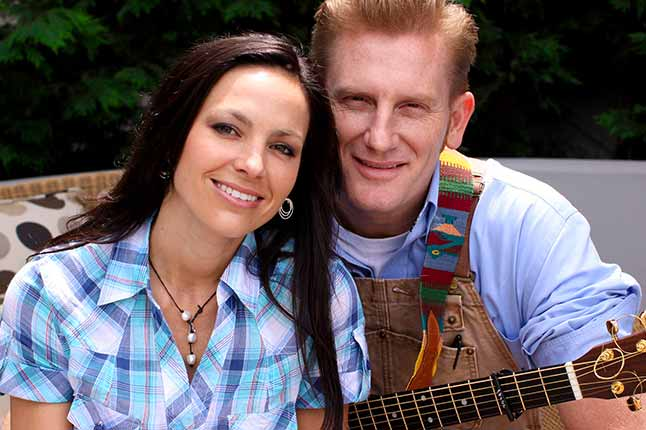 In new blog post, Rory Feek reveals Joey's final request