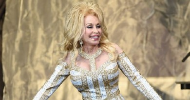 "Dolly Parton to release ""Pure & Simple"" album, reveals track listing and cover art"