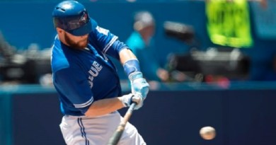 Martin, Tulowitzki homer as Jays rout Indians