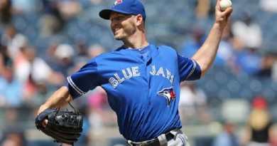 Blue Jays win game but lose Donaldson to injury