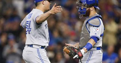 Blue Jays overwhelmed by 'home game' atmosphere in Seattle