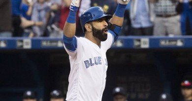 Bautista's late heroics lift Blue Jays to win over Yankees