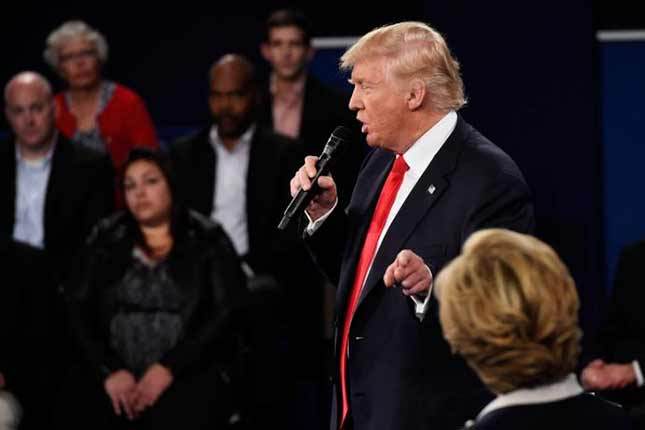 Trump Vows to Have Special Prosecutor Investigate Clinton
