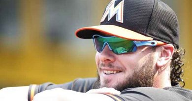 Blue Jays reach agreement on deal with free agent catcher Saltalamacchia