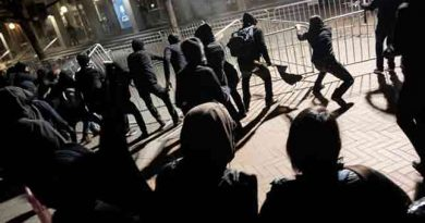 FBI investigating identities of black-clad UC Berkeley rioters