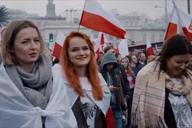 Polish girl speaks out against Muslim migrants - Poles support Mr. Trump's immigration policy